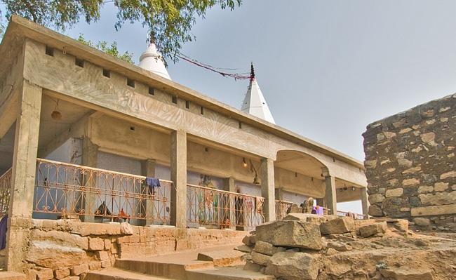 शिव मंदिर, बराबर (मखदुमपुर)