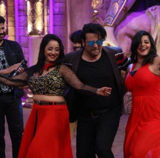 Bhojpuri Star full masti at comedy nights bachao 3 states