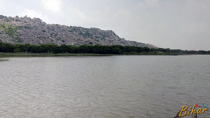 Lake on Barabar-Makhdumpur Road