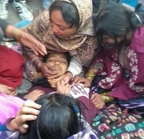 मानव शृंखला मे जाने के दौरान आज वैशाली जन्दाहा की एक छात्रा का ट्रक से कुचलकर मौके पर मौत