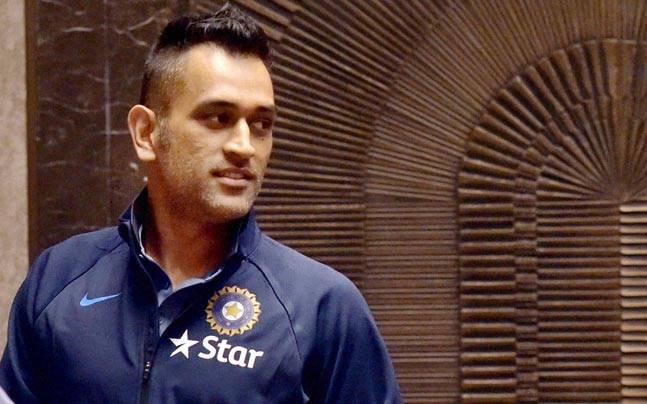 होटल की आग में बाल बाल बचे पूर्व कप्तान महेंद्र सिंह धोनी