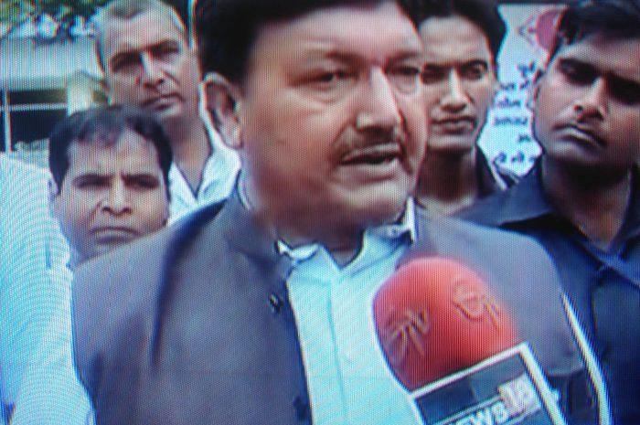 जय श्री राम का नारा लगाने वाले मुस्लिम मंत्री पे फतवा जारी